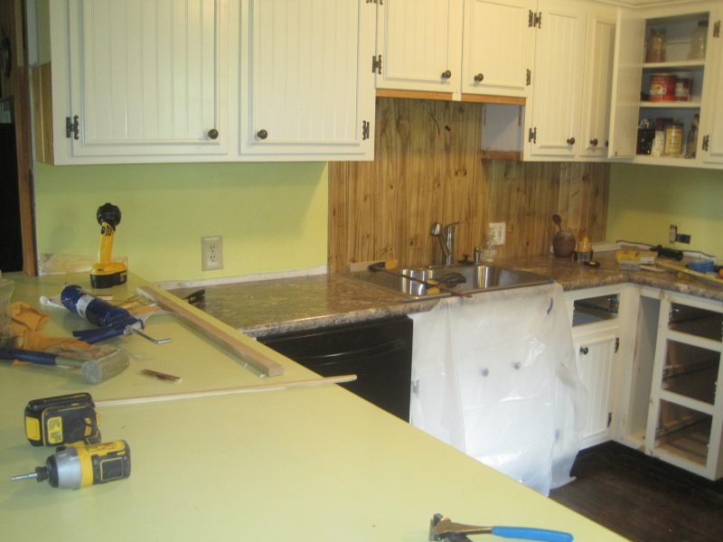 Beadboard-Back-Splash-4