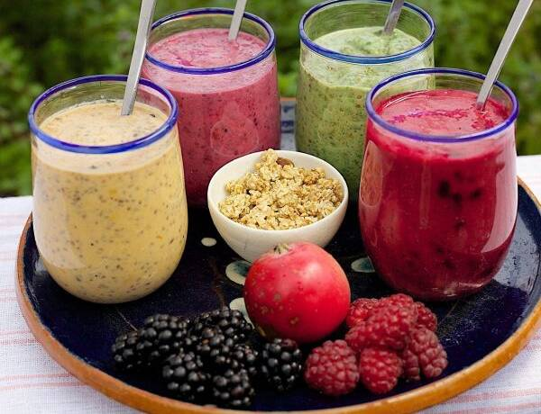 Colorful Healthy Smoothies (2)