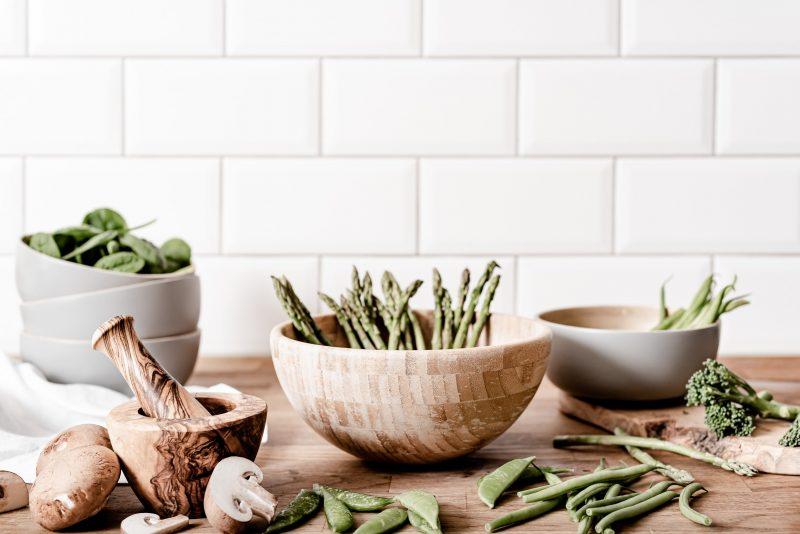 Fresh-Veggies-on-a-cutting-board