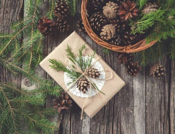 Beautiful Gift Wrapping Idea with pinecones and greenery