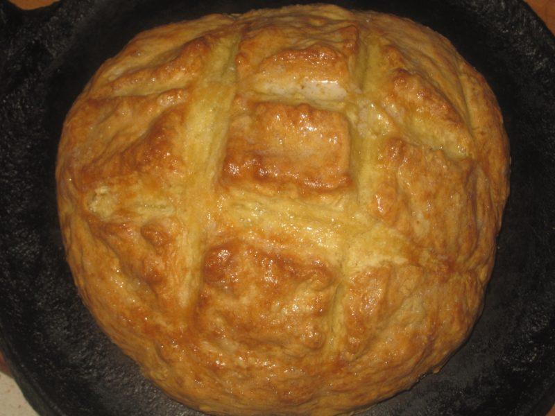 Cross hatch on top of freshly baked bread