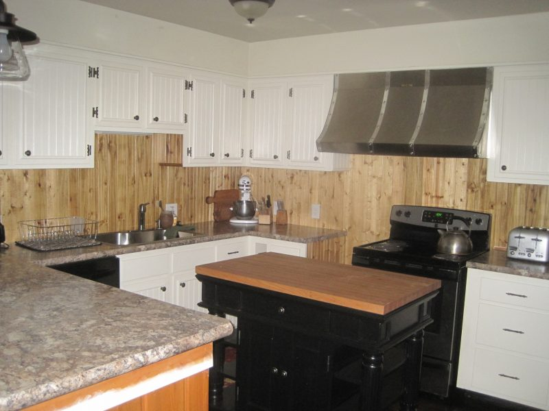 Kitchen remodeling project to look like a farmhouse kitchen