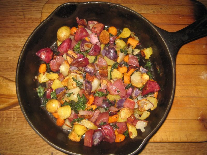 OVEN ROASTED POTATOES PEPPERS & KALE