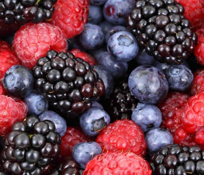 HOW TO FREEZE SUMMER BERRIES | QUICK FREEZING GUIDE