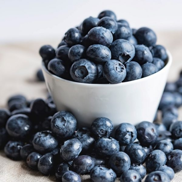 Freezing Blueberries the Easy Way | Simple Method
